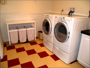 laundry-room-with-vct-design